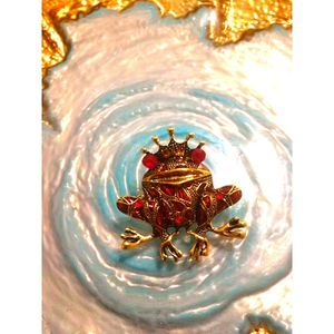 VTG. Ruby and Gold King Frog Brooch/Pend